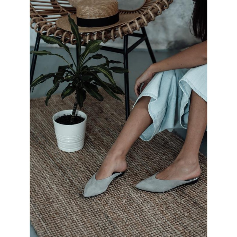 Capes Grey