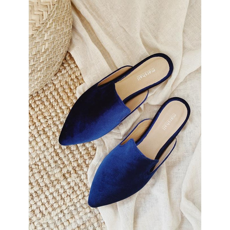 Luz Navy Blue.