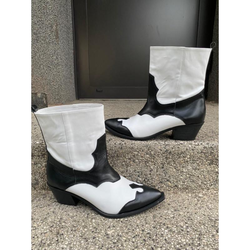 Chaco Black & White